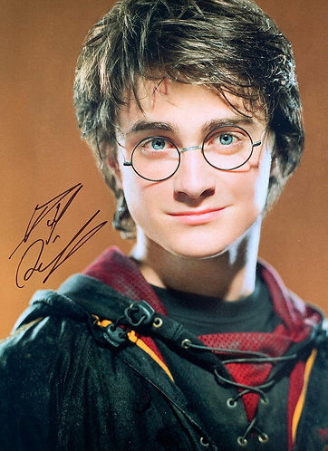 DANIEL RADCLIFFE SIGNED HARRY POTTER 16X12 PHOTOGRAPH