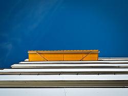facade-1048085_1920.jpg