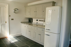 Solid Tulip Shaker Style Kitchen 1_water