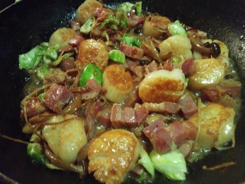 Seared scallops w panceta and wild mushrooms