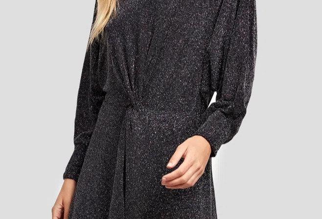 Vestido de Malha Curto Preto com Lurex Color Torção na Cintura Animale
