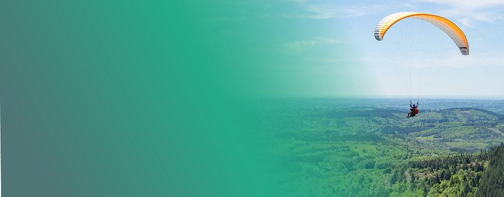 Activités sportives comme le parapente  dans le massif des monédières en corrèze avec la station Sport Nature de Treignac
