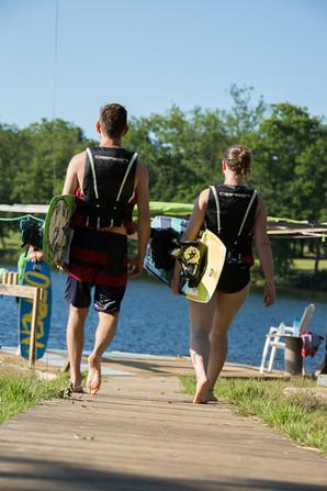 Wakeboard au lac de Bournazel en Corrèze non loin de Tulle. Initiation et perfectionnement.