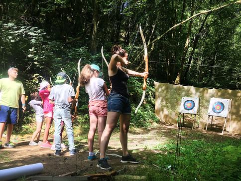 Pratiquez le tie à l'arc en groupe pour seul grace à la station sports Nature d'Uzerche en Corrèze : Vézère Passio