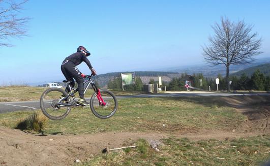 Activité VVT sur terrain aménagé en haute Corrèze