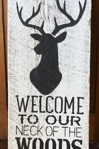 Deer Welcome painted sign