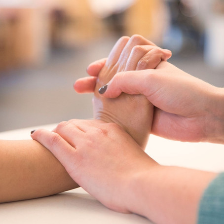 5 Reasons to See a Hand Therapist