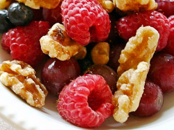 10 Healthy & Easy Summer Snacks