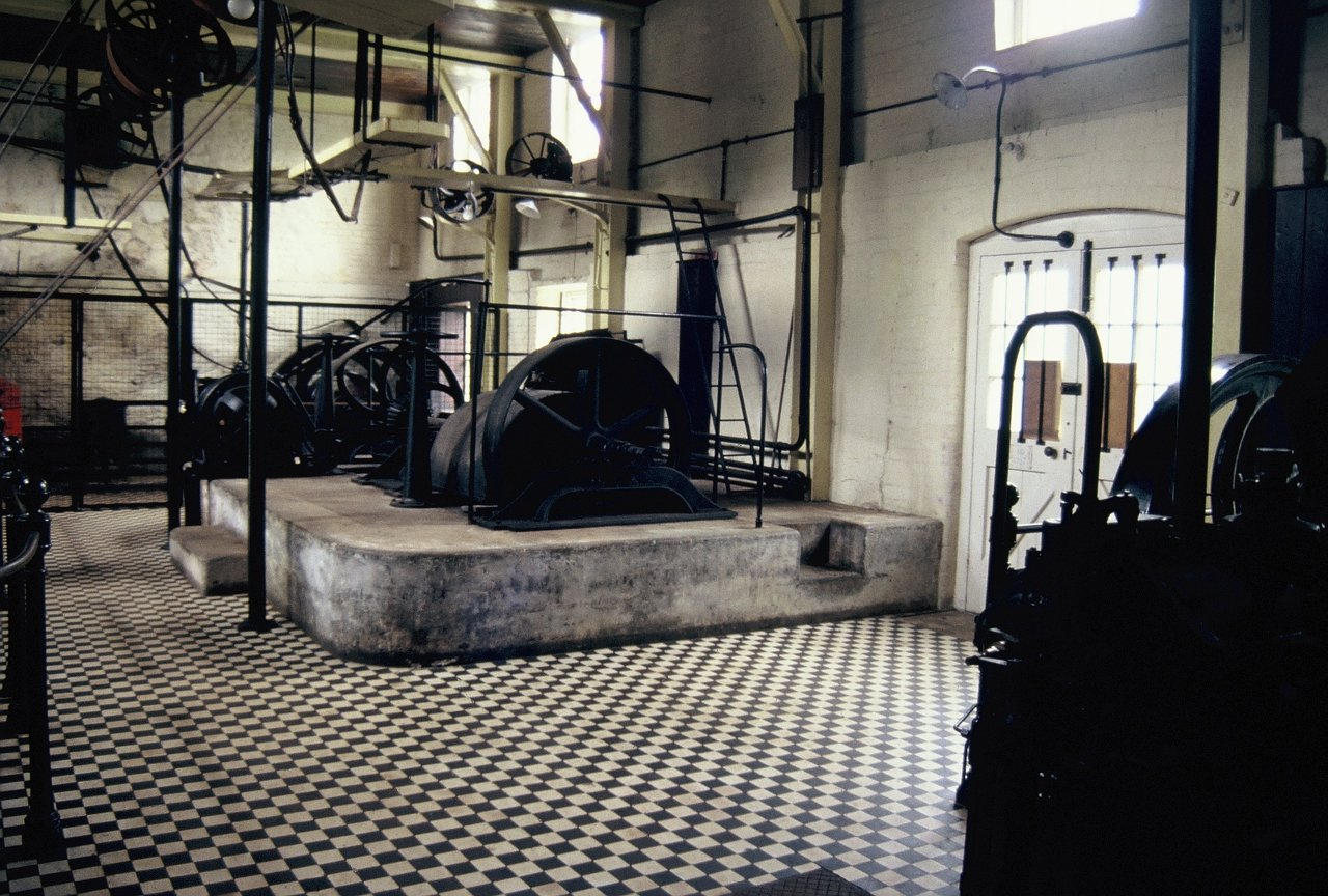 12 ENGINE HOUSE 1996