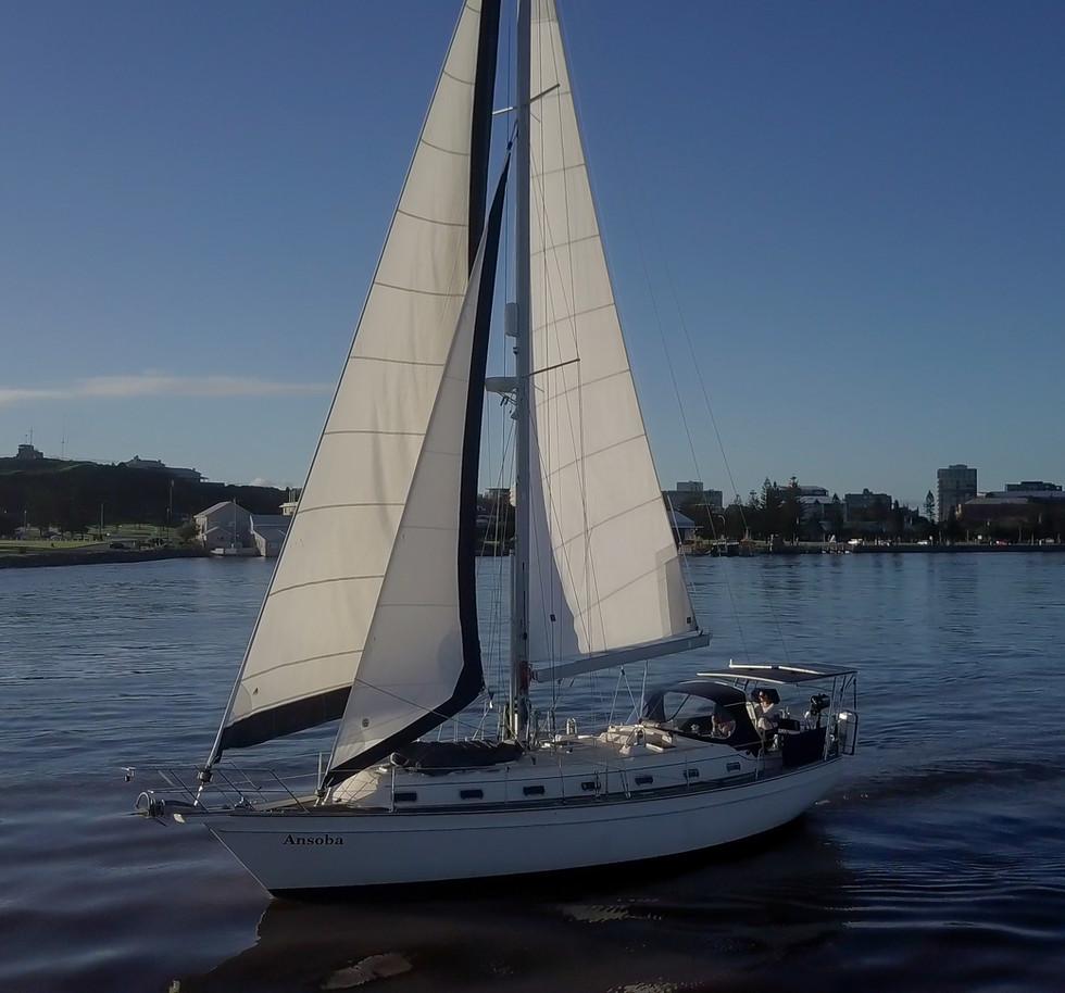 Ezi Yacht newcaste harbour vid stills (1