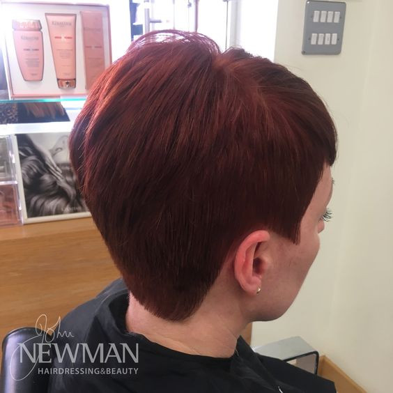 Red short graduated cut
