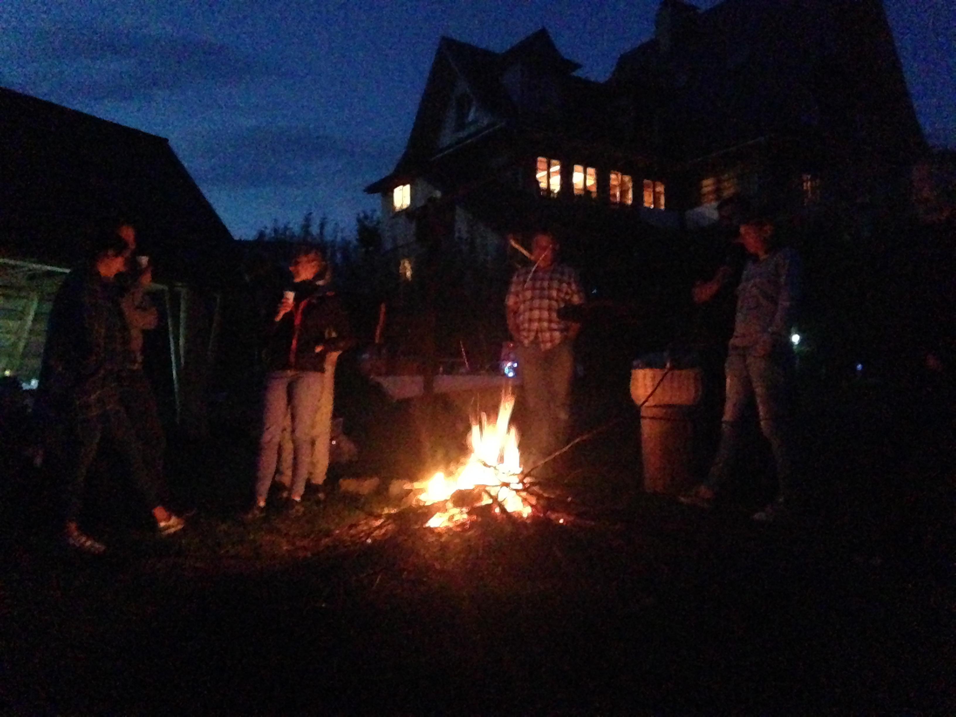 letnie wieczory przy ognisku