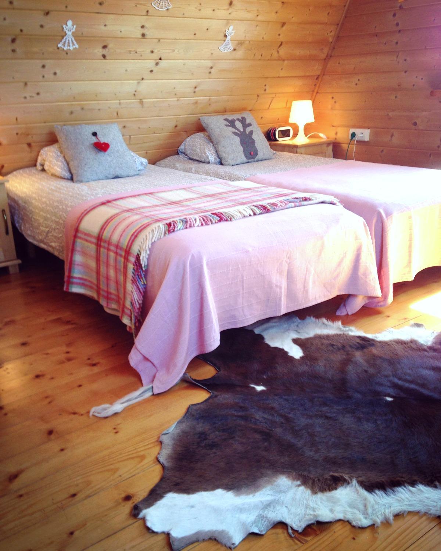 Sypialnia różowa - piętro rodzinne