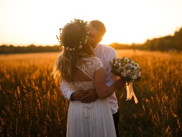 Create Your Dream Wedding, Online!