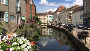 France - Auvergne-Rhône-Alpes Parcourir la Route du bonheur