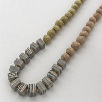 Round and square paper beads