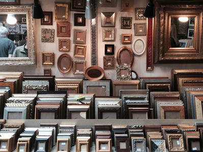 Empty frames at a market stall