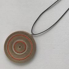 Paper pendant necklace