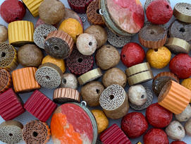 Paper beads in fall colours