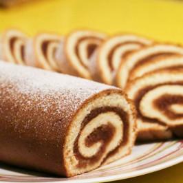 Apple Roll Cake