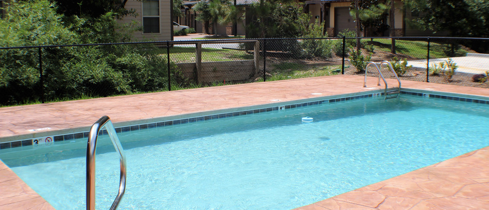 The_Woodlands_Pool_Pictures__3_.jpg