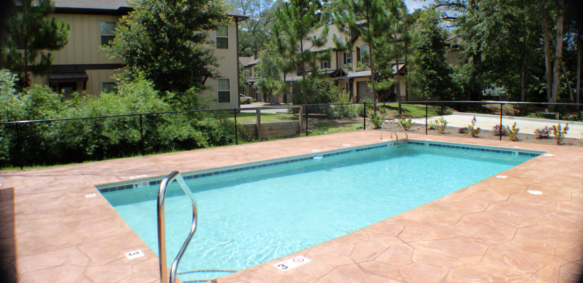 The_Woodlands_Pool_Pictures__1_.jpg