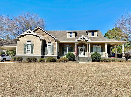 770 Lake Laurie