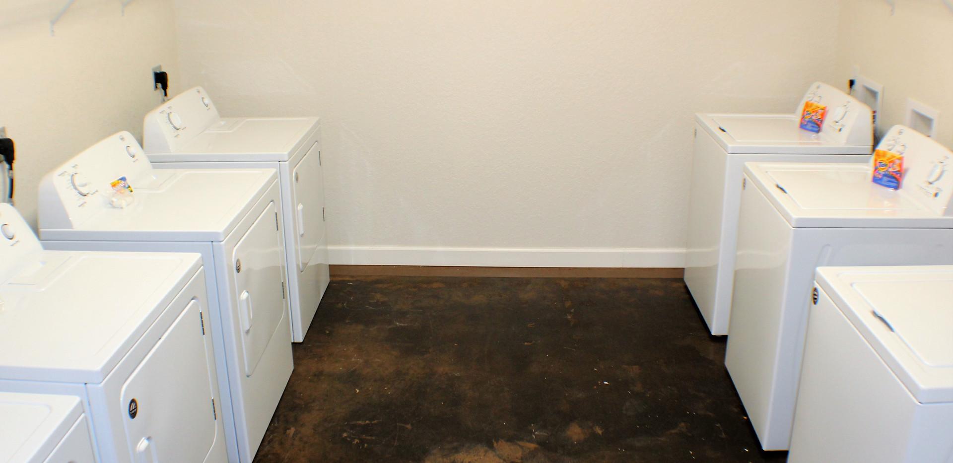 The_Woodlands_Laundry_Facility__1_.jpg