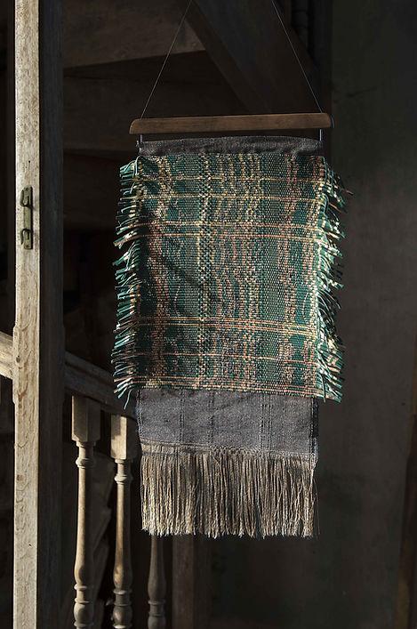 Bijoux muraux Kapara atelier textile Tissage cuir décoration d'intérieur Adèle Guyodo