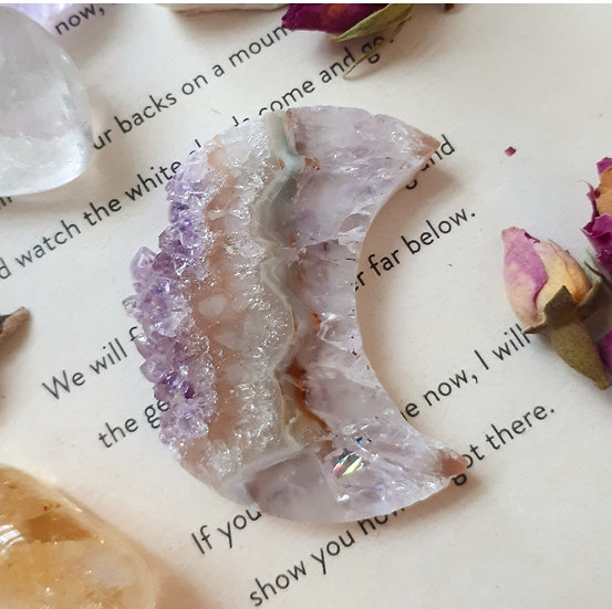 Agate with Amethyst Crescent Moons