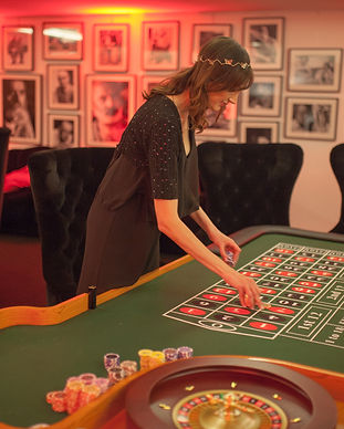 Table de jeux casino poker roulette