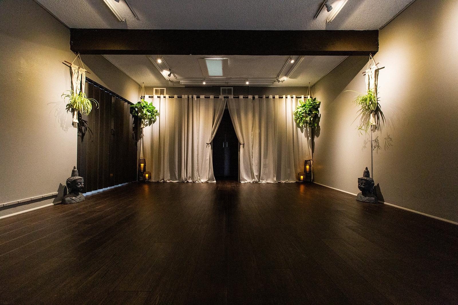 Moon Room Studio Rental Weekday per hour