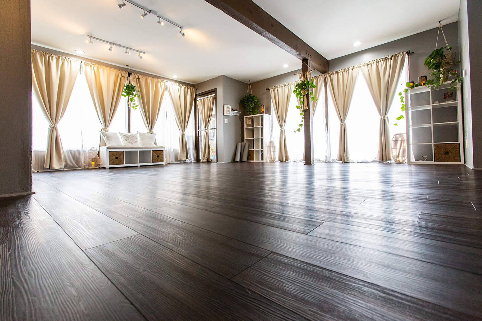 Sun Room Studio Rental Weekdays per hour