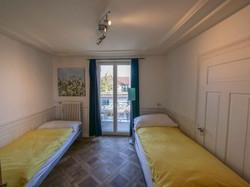 b3 schlafzimmer mit balkon