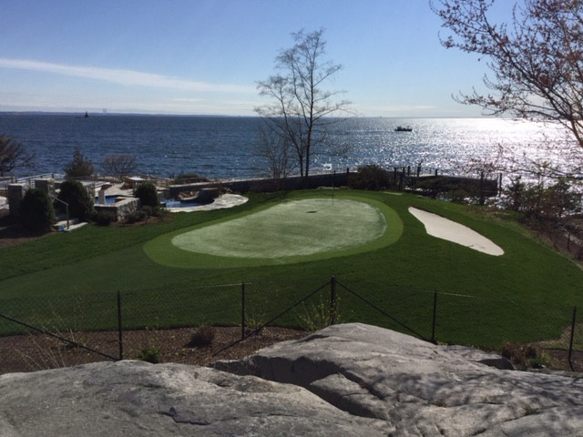 """WESTCHESTER HEALTH & LIFE: """"HOME GAME"""" Perfect your putt with a green in your own back"""