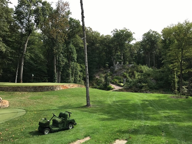 My day (and night) at the backyard golf hole of a man who builds backyard golf holes