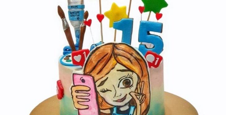Girlish Theme Cake