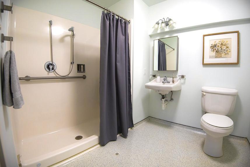 Typical One Bedroom Apartment at Ridge Oak II bathroom