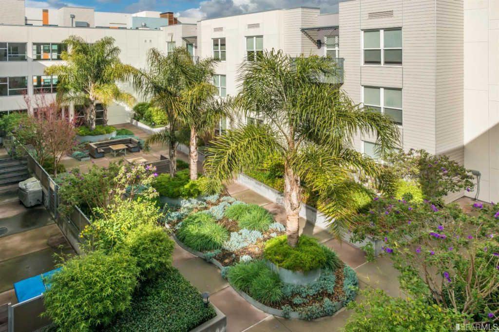 5900 Courtyard