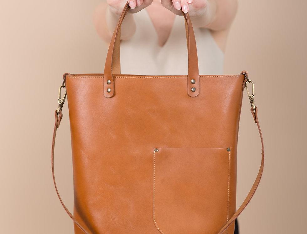 Livia handbag in caramel with front pocket