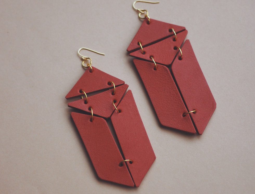Geometrical oversize leather earrings