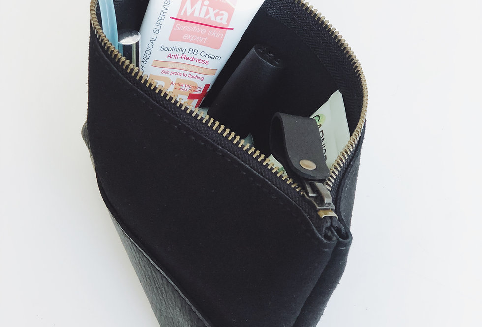 Petunia makeup bag in black leather and suede