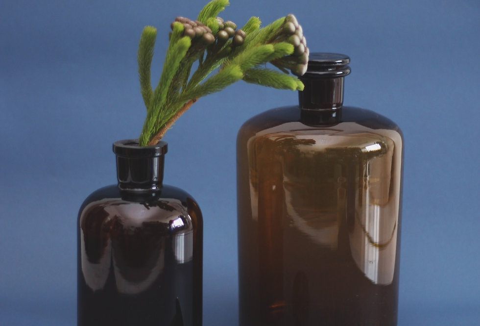 DARK BROWN GLASS BOTTLES WITH A LID