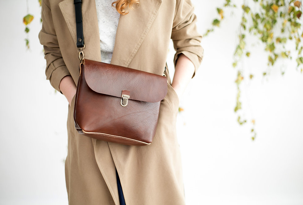 ARLO PURSE IN GINGER LEATHER