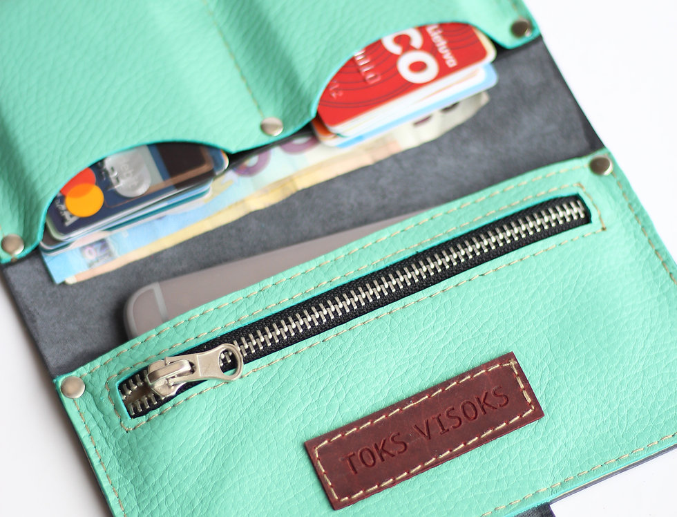 MONDAY WALLET IN GREY AND PALE MINT