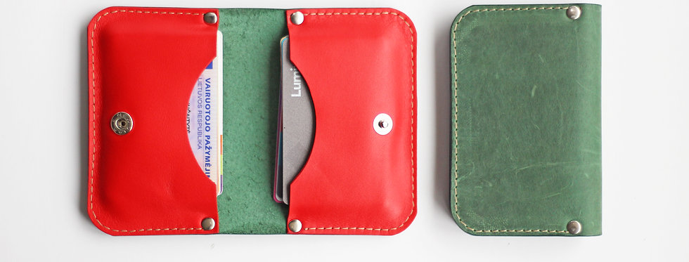 SUNDAY WALLET IN GREEN AND RED