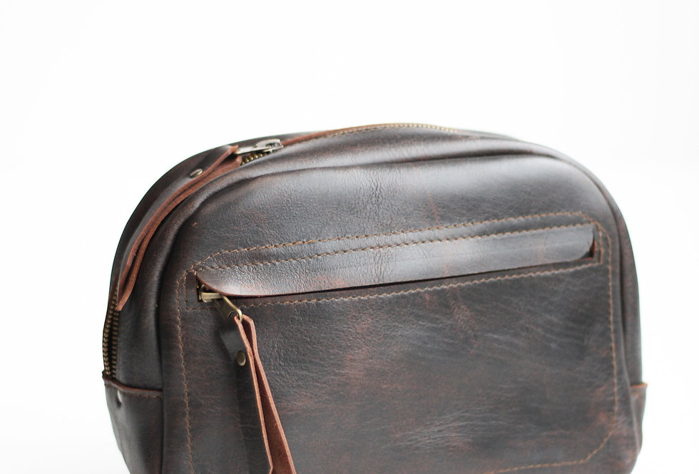 DOUGLAS DOPP KIT IN DARK BROWN