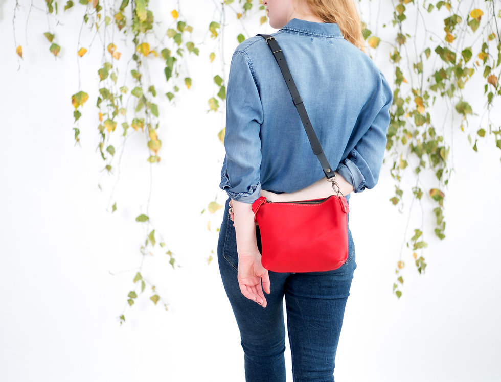 Clover pouch purse in red