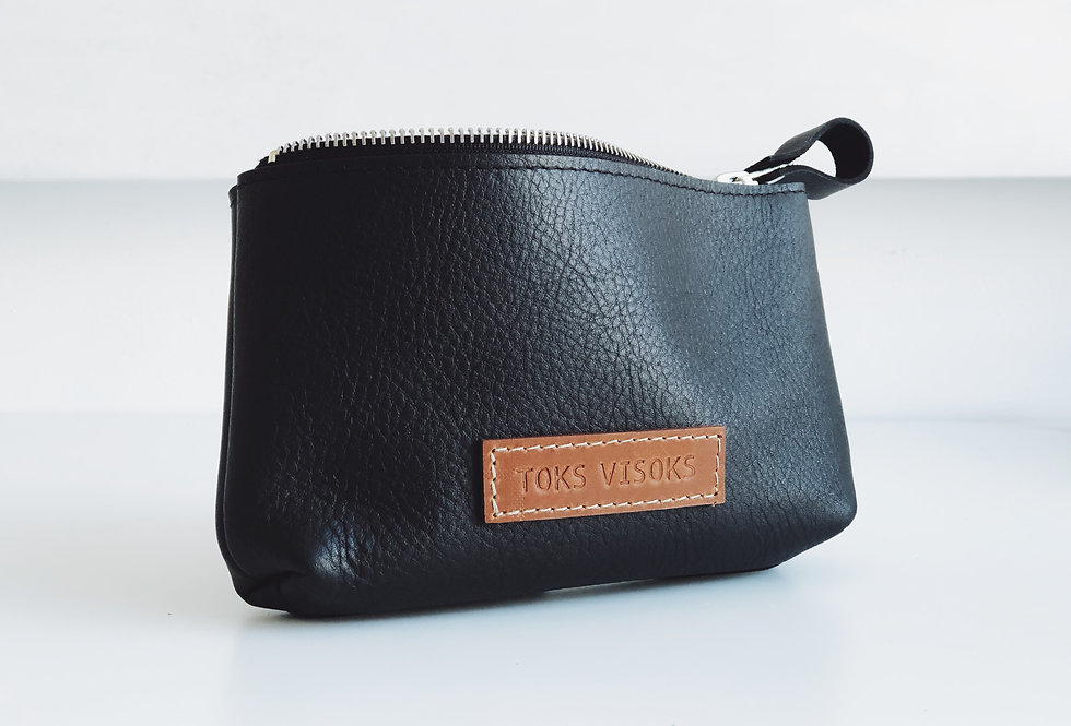 MINI WILLA MAKEUP BAG IN BLACK