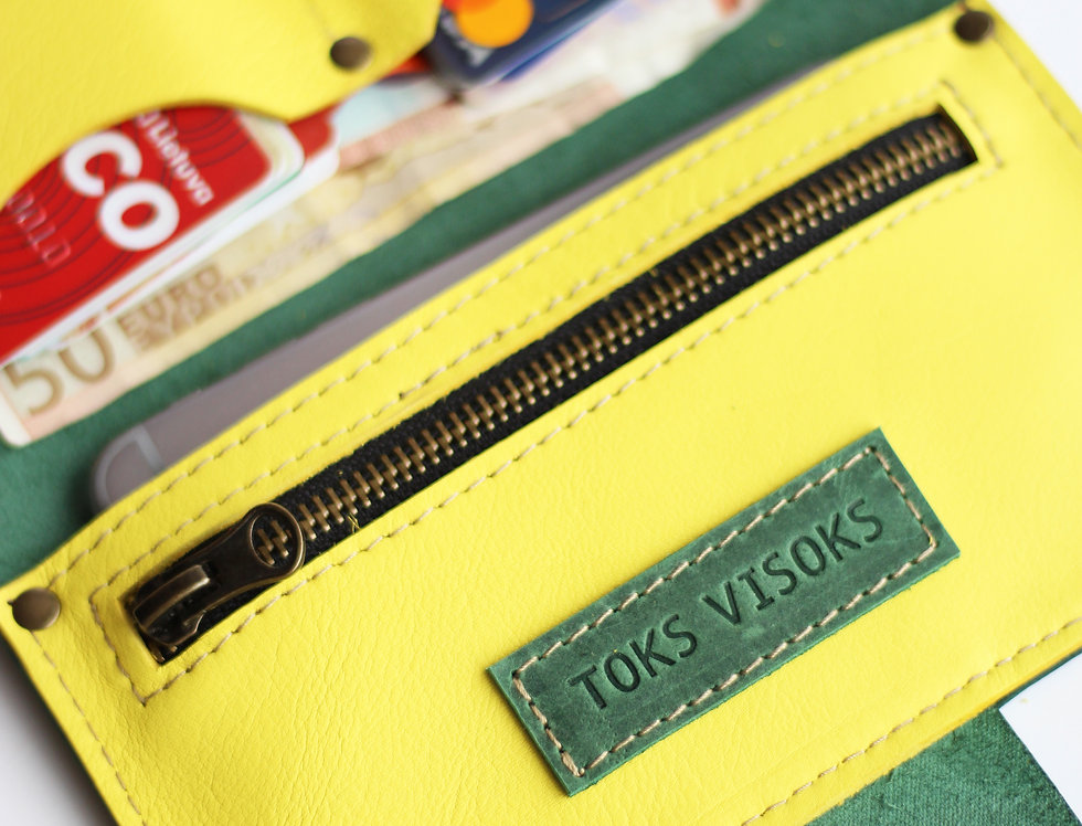 MONDAY WALLET IN GREEN AND YELLOW